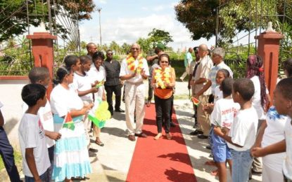 President celebrates birthday at Hope Children's Home  – Ministry of the Presidency arranges book drive
