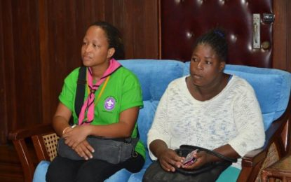 President Granger meets doctors, mothers of injured Cub Scouts