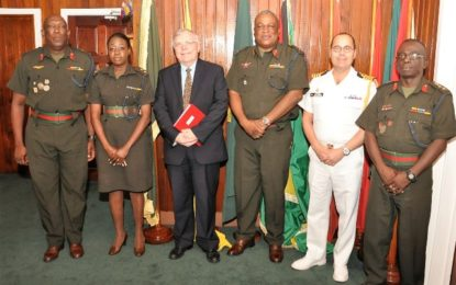 CANADIAN DEFENCE MILITARY ATTACHÉ PAYS COURTESY CALL ON COS