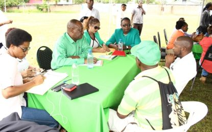 "Gov't takes ""Meet the people outreach"" to Linden"