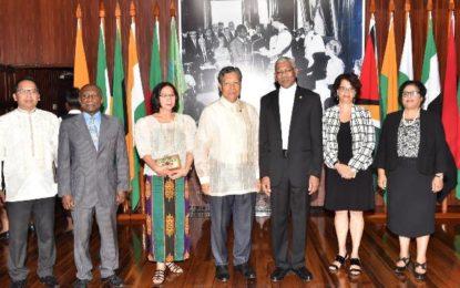 President accredits new Philippino Ambassador