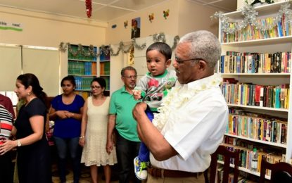 President spreads Christmas cheer at Lusignan and Buxton