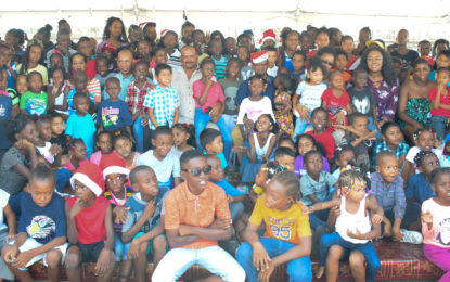 Police A Division youth group fetes about 2000 children