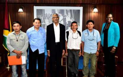 Rewa residents discuss sport fishing potential with President