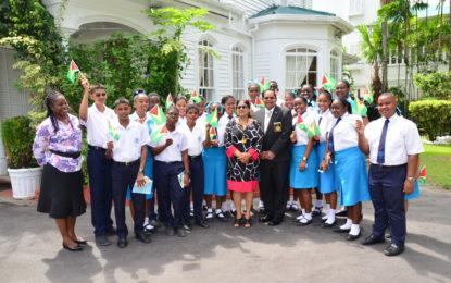 PM hosts Mash exhibition