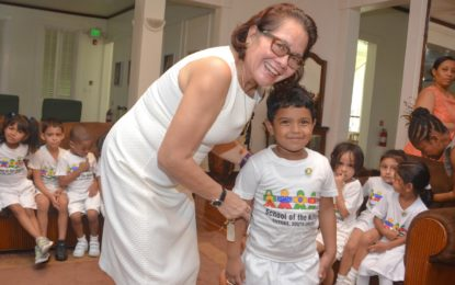 First Lady gives nursery students a tour of State House