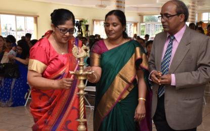 Sari, rich heritage displayed at Sari draping Demonstration and Exhibition