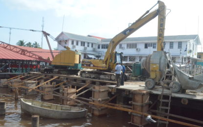 Phase one of Bartica stelling 35% completed; tidal changes hindering progress