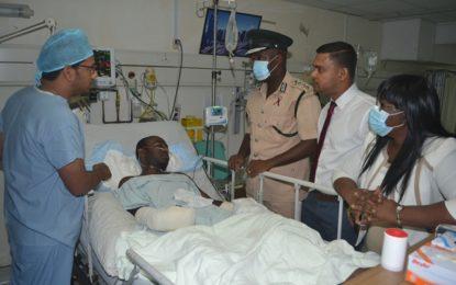 Health Minister and Director of prisons visits injured Prison warden