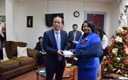 Chinese health delegation meets with Minister Lawrence – discusses possible establishment of research facilities