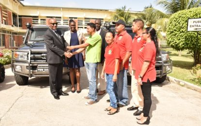 State Minister hands over vehicles for GL&SC regional office -congratulates Commission on performance