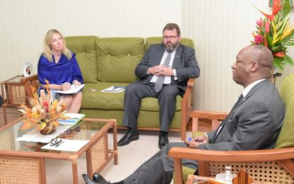 State Minister meets with delegation from Estonia