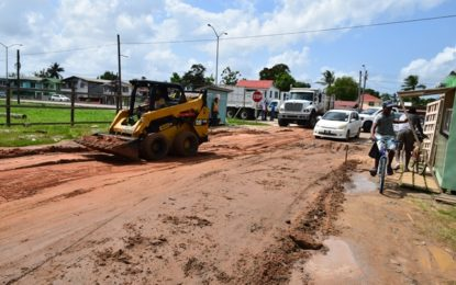 Upgrades to Herstelling main access road begin