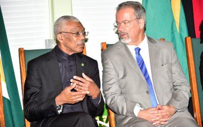 Brazil's Minister of Defence declares Viva a Guyana! Viva o Brasil!  -as President Granger honours him and Guyana/Brazil relations with a national award