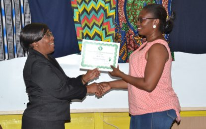 400 graduated from Carnegie's evening programme