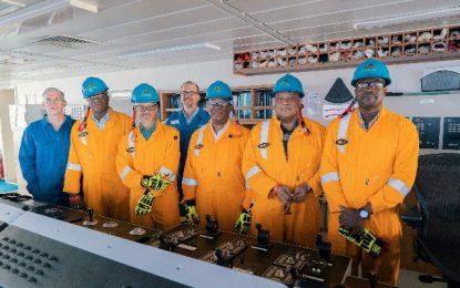 Ministerial team visits Noble Bob Douglas drillship