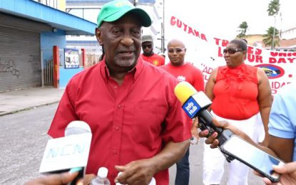"""Govt will never turn its back on sweeper/cleaners""- Labour Minister"