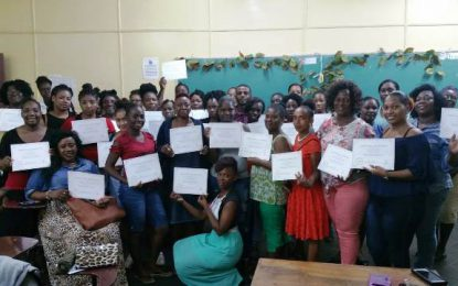 40 GRADUATE FROM COMPUTER LITERACY TRAINING COURSE IN LINDEN
