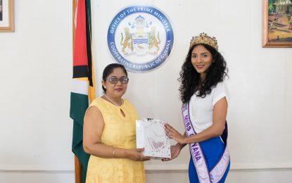 Miss World Guyana 2018 pays courtesy call on Mrs. Nagamootoo