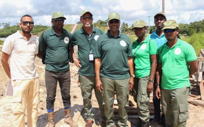 Extractive sector's Corps of Wardens exploring Dagg Point site