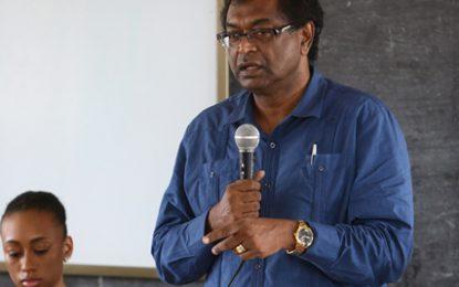 Govt will address road condition – Min. Ramjattan assures Diamond/Grove students