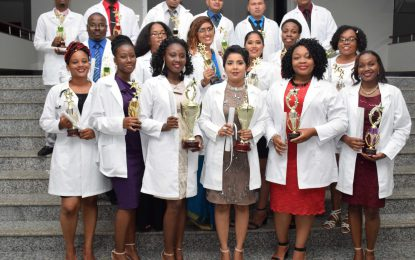 19 Cuba-trained doctors sworn in to medical profession