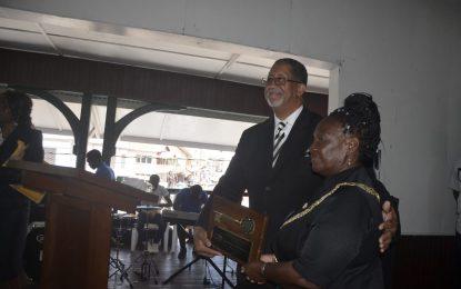 NA Mayor receives key from Mayor of Stonecrest, Georgia