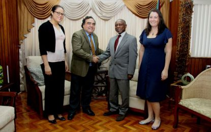 Chilean Ambassador Pays Final Courtesy Call on Foreign Minister