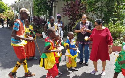 Masquerade band ushers in holiday season at Prime Minister's Residence