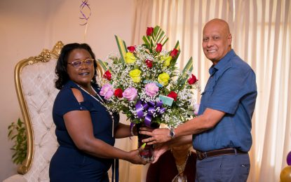 Min. Broomes honoured by Mining Syndicates