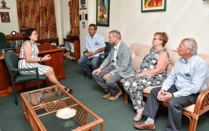 Commonwealth rower calls on First Lady