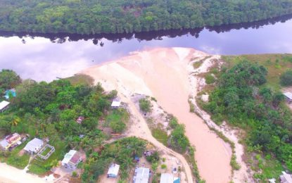 NDIA to spend GY$47M to carry out critical dredging of the Demerara River at Coomaka