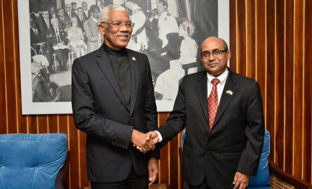 Outgoing Indian High Commissioner calls on President David Granger