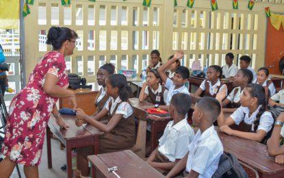 Coalition govt 'making things better' for teachers