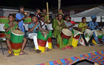 Drums, songs, dance, let's emancipate!