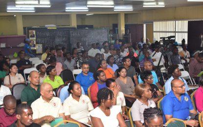 La Parfaite Harmonie, Recht-door-Zee to get community grounds