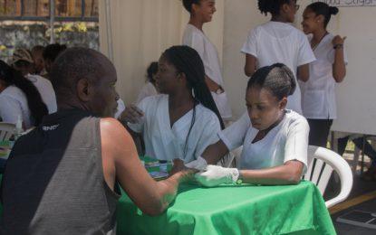 UG Medical students forming doctor-patient bonds