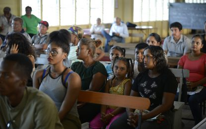Govt engages Mon Repos residents