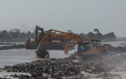 Govt meets with contractors on Mahaicony sea defence breach