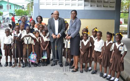Min. Trotman delivers on promise to Buxton/Friendship