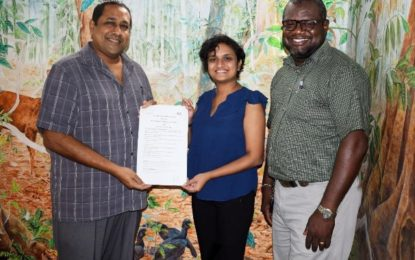 Iwokrama signs MOU with UG for PhD scholarship through ExxonMobil funded science programme