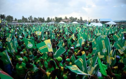 Hopetown rally attracts thousands