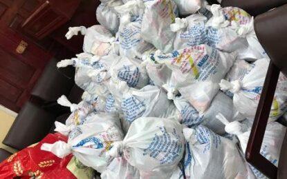 300 Linden seniors benefit from hamper distribution