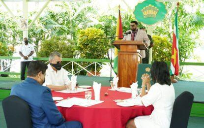 President Ali hosts Breakfast Meeting for Suriname's President